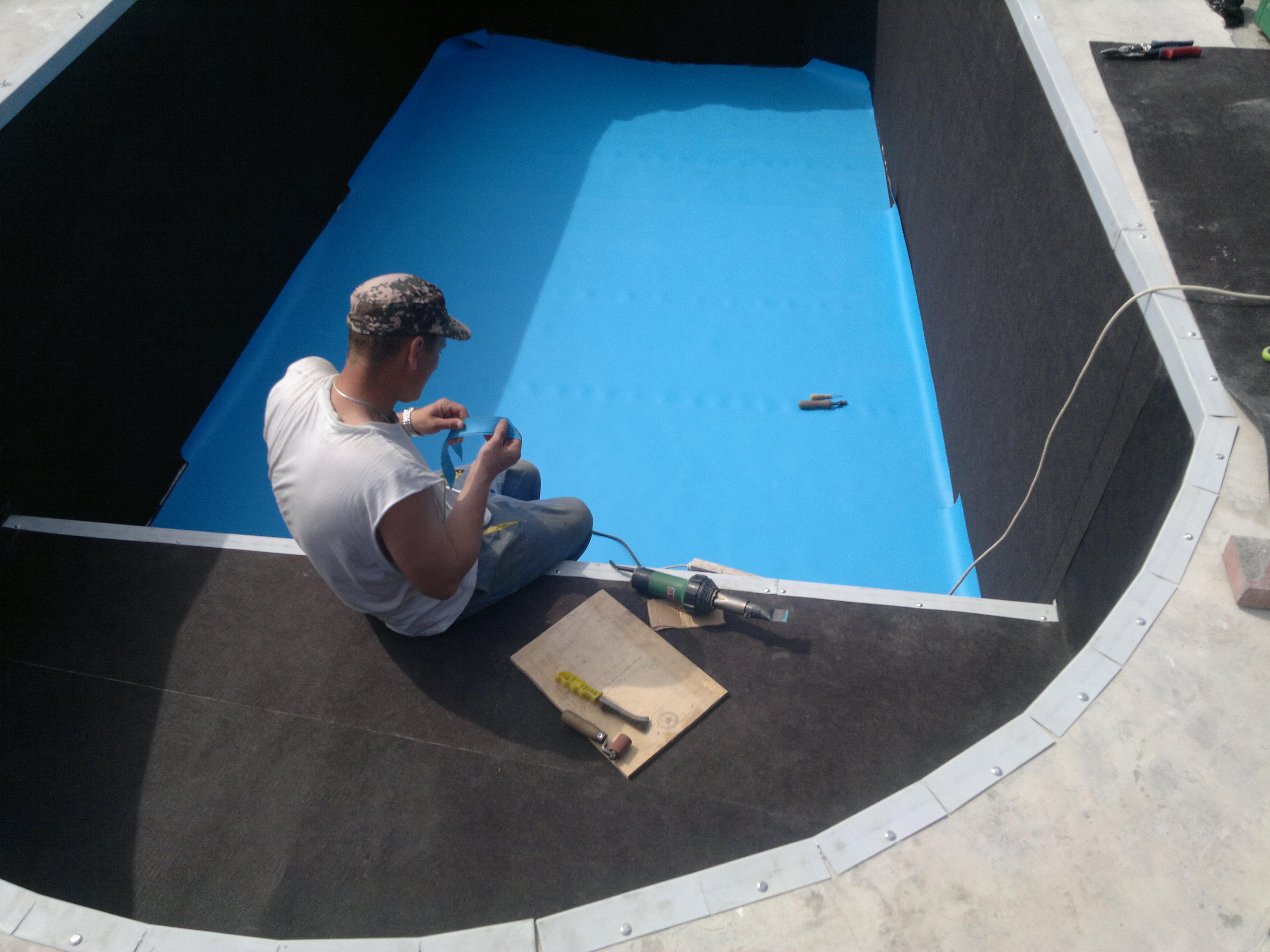 Как уложить пленку для бассейна своими руками 88